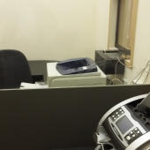 Очередная фотография, которая показывает, что данные помещения удобно будет использовать под банковскую или страховую деятельность