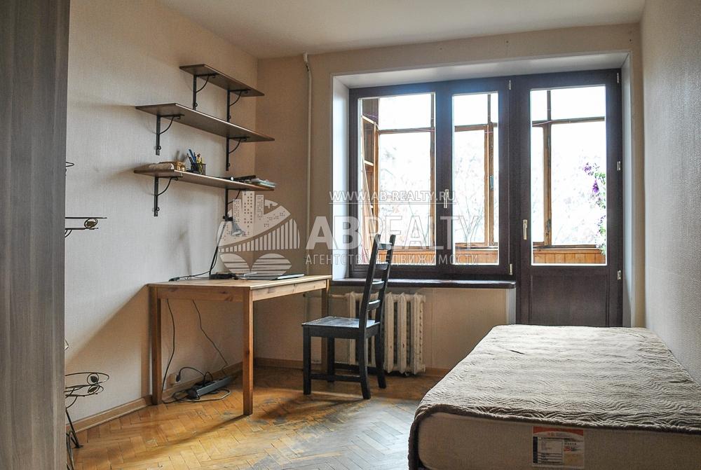 Первая и единственная комната этой квартиры - 18,3 м2