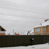 Вид дома со стороны