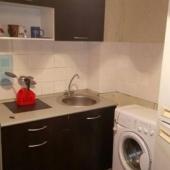 Есть стиральная машина на кухне, площадь кухни 8 кв. м.