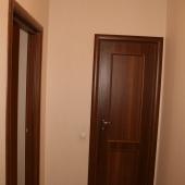Дверь при входе