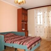 В этой же квартире вторая комната, адрес: Ленинский, 135 к. 1