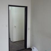 В каждую комнату есть своя дверь