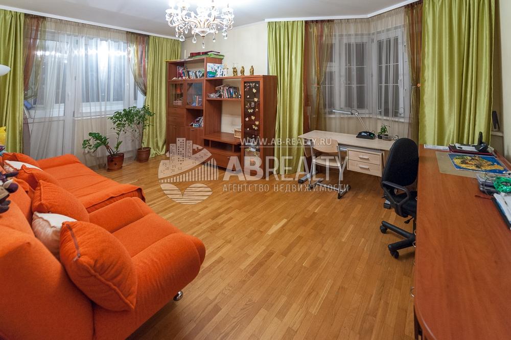 Большая комната 19,3 м2