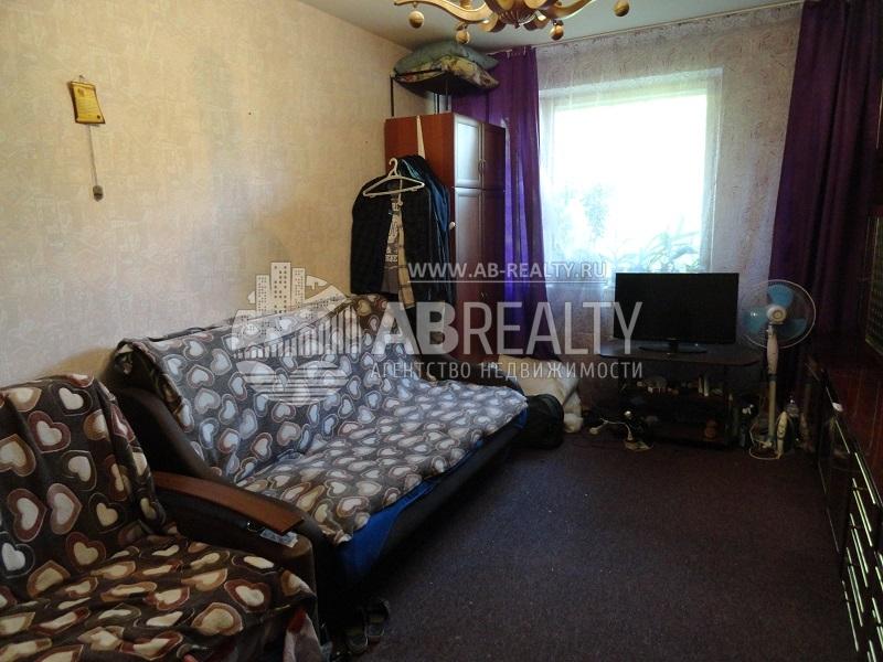 1 большая комната на Соловьином проезде 16