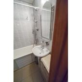 Аккуратная чистая ванная комната