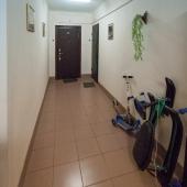 Есть общий коридор.