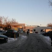 Подъезд к проходной завода, на территории которого предлагаются в аренду площадки различной площади.