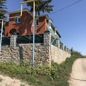 Дом стоит на углу