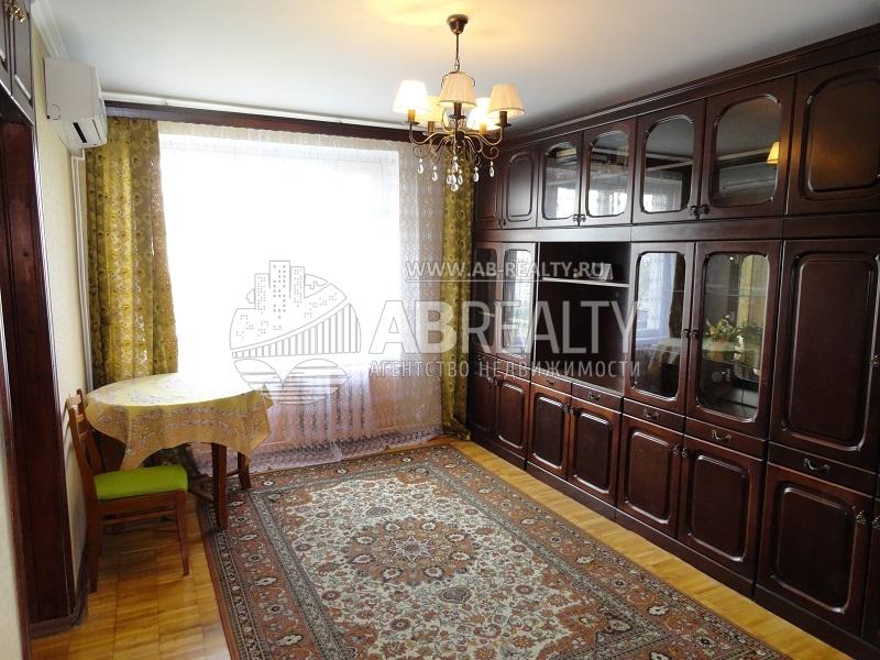 Площадь этой комнаты 17 кв.м.