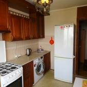 Плита газовая, холодильник, площадь 9 кв.м.