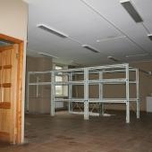 Металлические стеллажи уберут по требованию арендатора