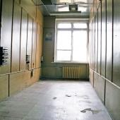 Одна из комнат как узкий пенал