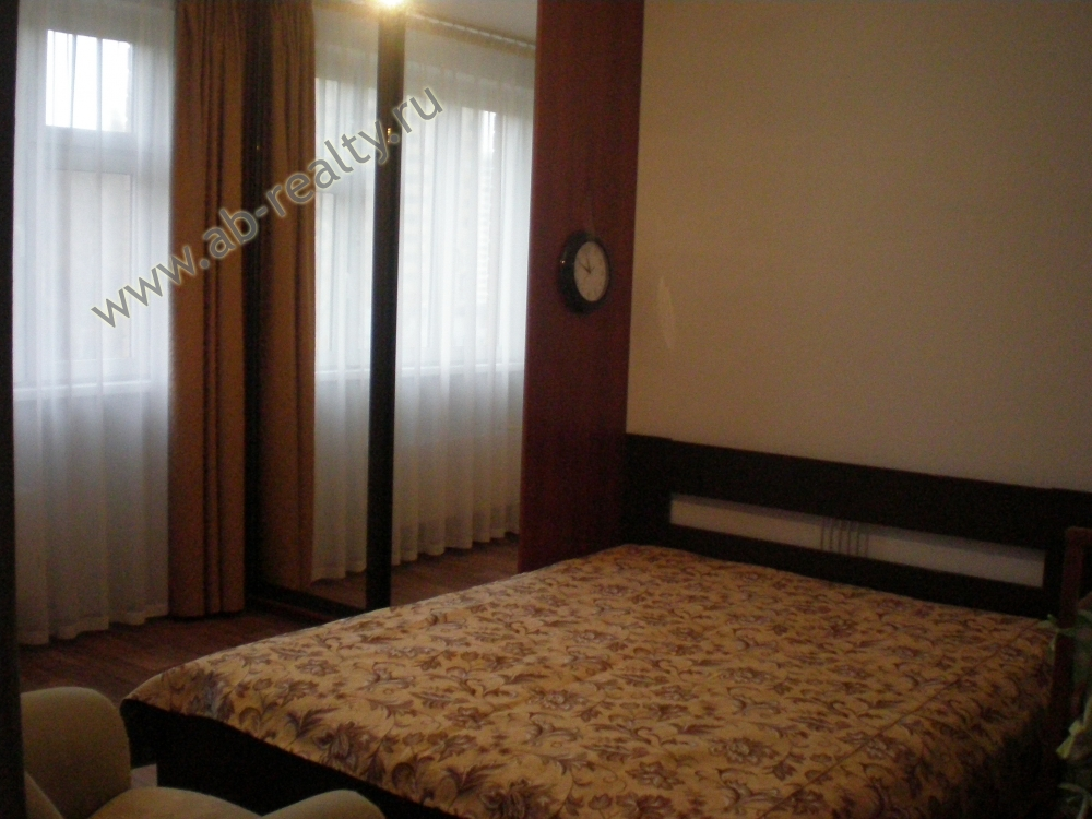 Одна из комнат в 3-к квартире на Георгиевской улице