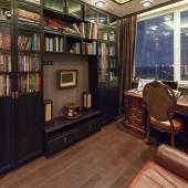 Кабинет небольшой, но уютный и пригодный для спокойной работы