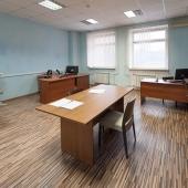 Одна из офисных комнат во втором здании