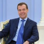 Медведев предложил расширить целевое использование материнского капитала