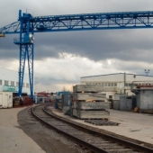 Участок промышленного назанчения с офисами в аренду в пгт. Львовский