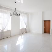 Квартира на Тверском бульваре освобождена от мебели для дальнейшей продажи