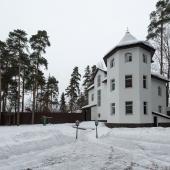 Продается дом в Баковке, 3 этажа + цоколь, возможен торг!