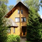 Сдается в аренду трехэтажный жом 250 м2 с.Лайково