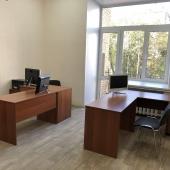 Офис 25 кв.м с мебелью и балконом