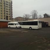 Можно расположить крупные автобусы