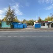 Есть парковочные места для легкового и грузового транспорта