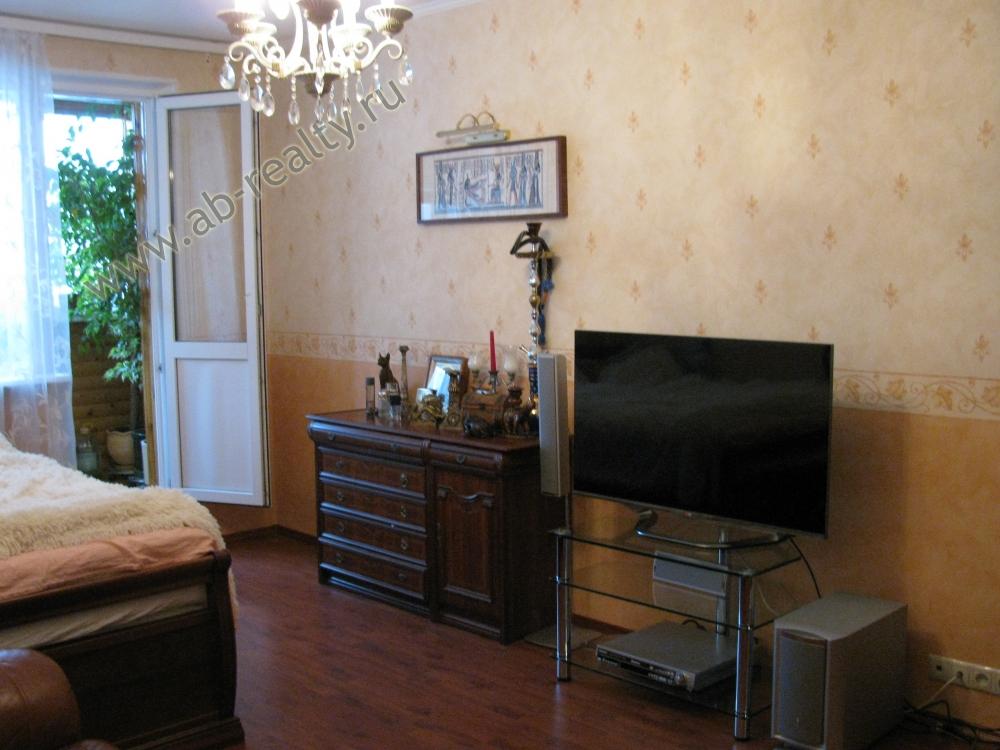 Большая комната в 2-х комнатной квартире, Литовский б-р., д. 15 к1