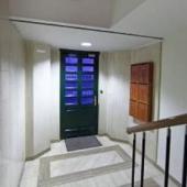 Входная дверь подъезда