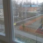 Вид на улицу с балкона