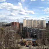 Вид из окон восьмого этажа этой квартиры