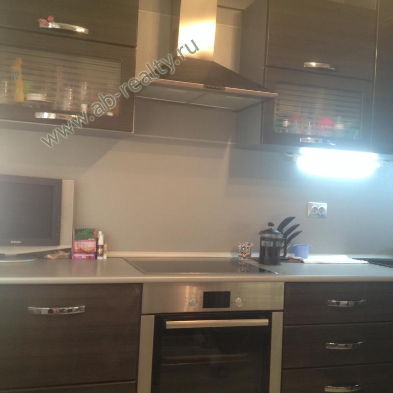 Начинаем осмотр квартиры с кухни