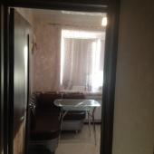 На выходе из кухни в квартире на проспекте Ленина, дом 8