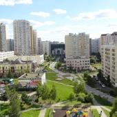 Между Ленинским проспектом и Профсоюзной достаточно зеленый район