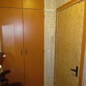 Стеной шкаф и дверь на улицу Профсоюзную, д. 130 корп. 1