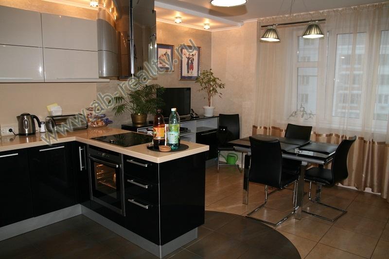 Кухня площадью 21 метр на Радужной 13 корп. 1