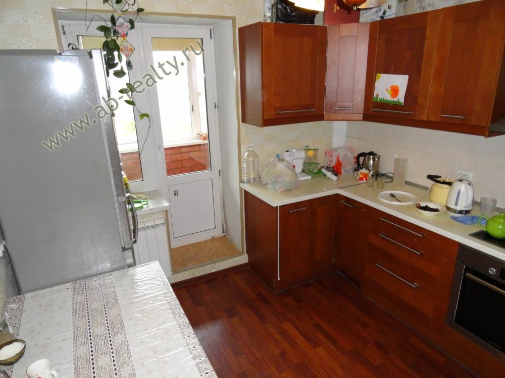Начинаем показ квартиры с кухни!