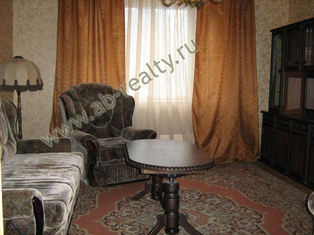 1 комната в трехкомнатной квартире на Братеевской