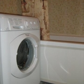 Конечно же есть стиральная машина