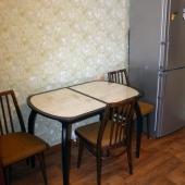 Столик кухонный и стулья