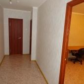 Уходим от санузла и кухни и поворачиваем в коридор по направлению ко второй комнате