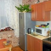 Кухня по площади 9,5 м2, техника и мебель останутся
