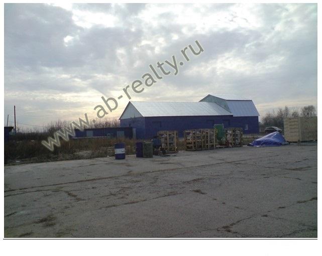 На участке в аренду в Сетовке есть на территории еще офисные и складские помещения