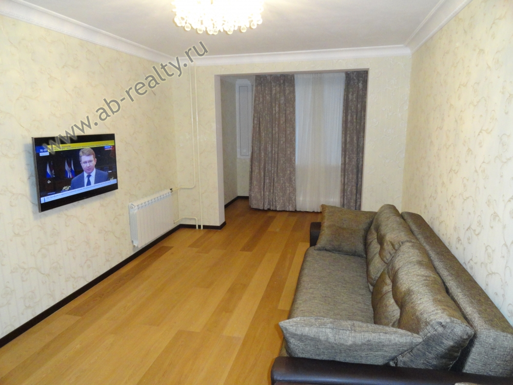 Самая большая комната в этой квартире площадью 20 метров