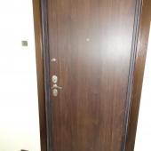 Входная дверь в квартире на С. Маршака 14