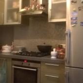 Мебельная стенка на кухне остается новым хозяевам