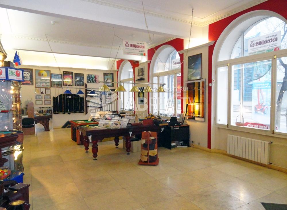 Главный зал или большое торговое помещение в аренду на Сайкина