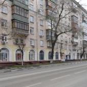 Вход в магазин по 7-ой Кожуховской улице