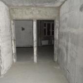 """Просторная прихожая или коридор в этой """"трешке"""" 80 м2"""